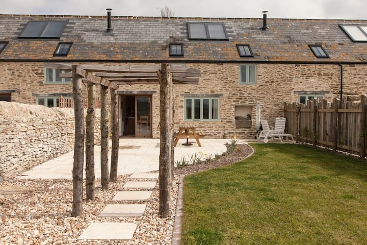 Stile Cottage - Walkable to Jurassic Coast Beach