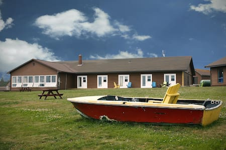 Beautiful Lodging on Brier Island - Double & Single