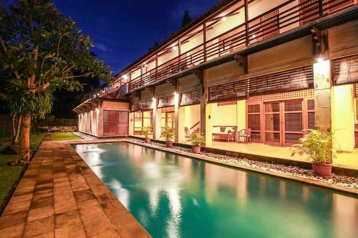 Luxurious Javanese Villa 2BR w/ Golf View