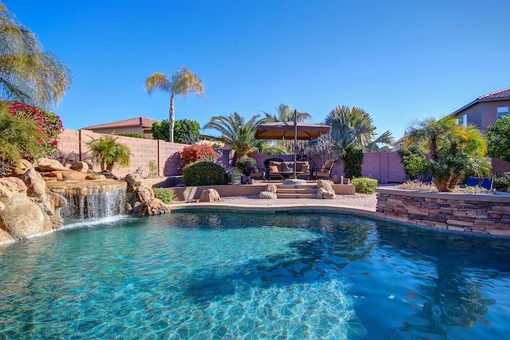 Luxury Dream Home, Pool and Hot Tub