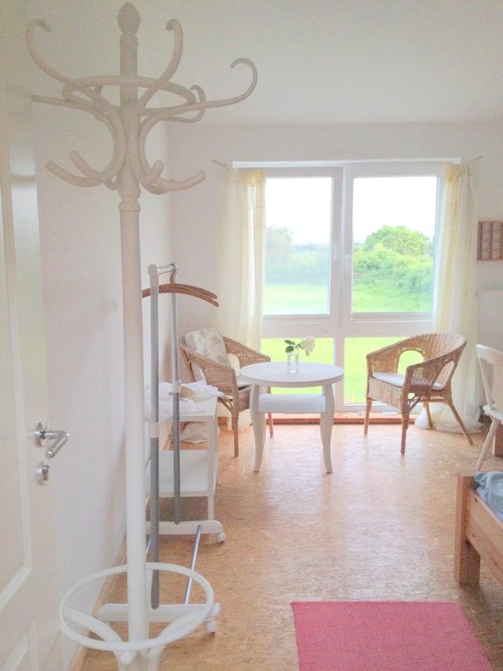 Ruhiges Zimmer mit Naturblick
