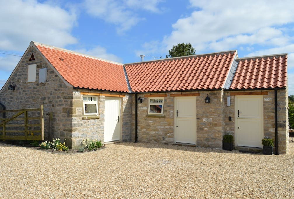 Applewood, the delightful detached stone cottage