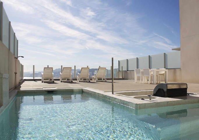 C18 | Dúplex con vistas panorámicas y piscina privada