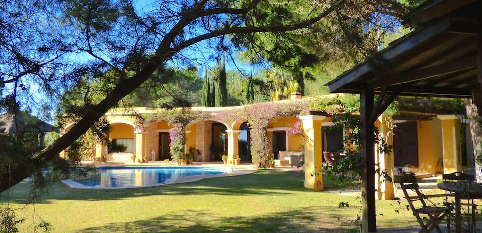 Jardins de Jondal - sea view villa - Sant Josep de sa Talaia - วิลล่า