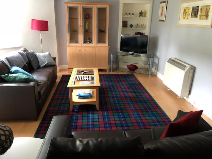 Comfortable, central 2 bedroom apartment
