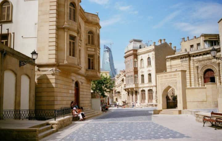Baku - apartment (BEST PRICE OF THE CITY)