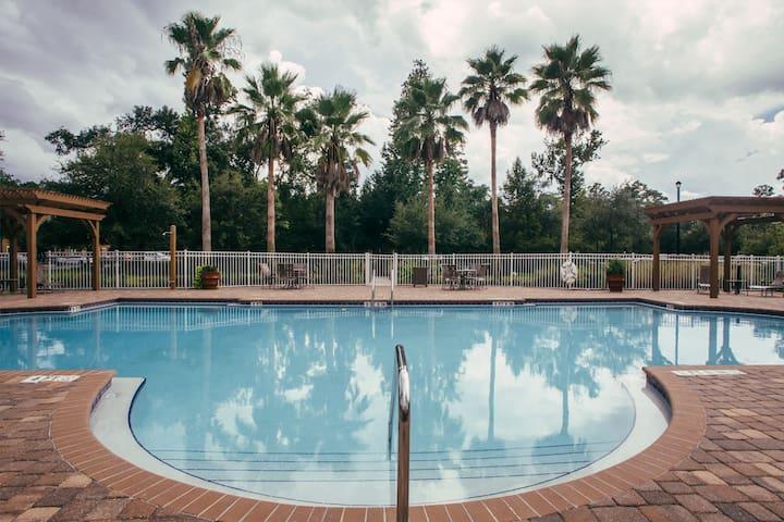 Florida lifestyle - Entire 3 Bedroom Apartment