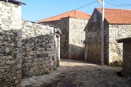 Kulla e Mazrekajve - Shkodër - Замок