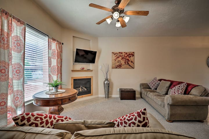 Kanab Condo w/ Pool & Patio, 30mi to Zion NP!