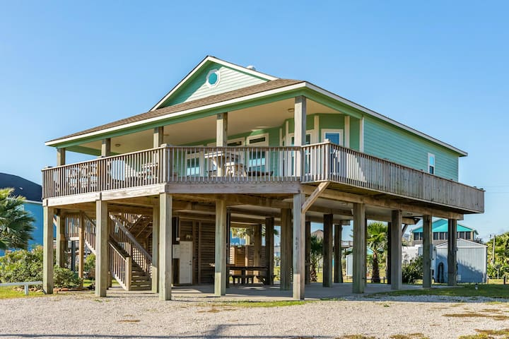 Expansive dog-friendly home with ocean views, prime location, & outdoor firepit