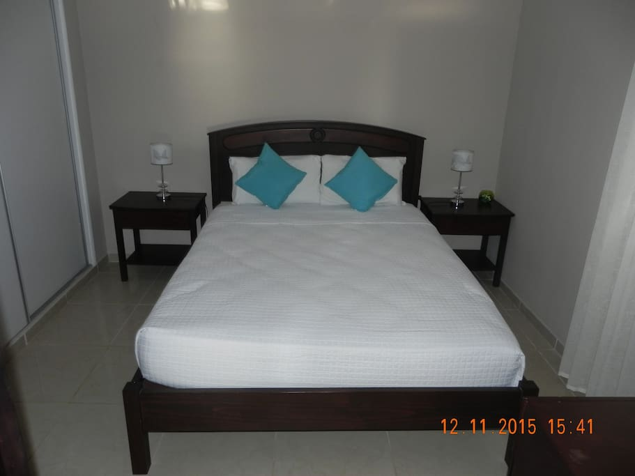 Master with queen size bed