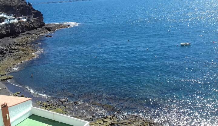 Estudio rústico frente al mar