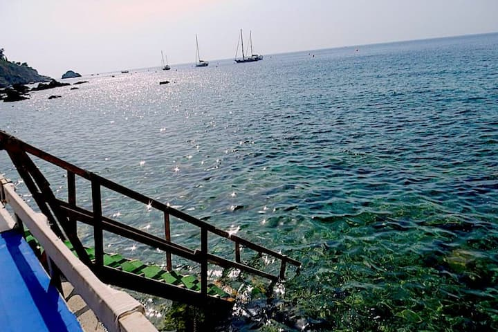 Taormina apartment with pool, sea  & free parking