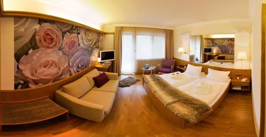 Hotel Liebesglück - Only-Adult-Hotel (Winterberg/Stadt) -, Doppelzimmer Comfort - hochwertig und geschmackvoll ausgestattet