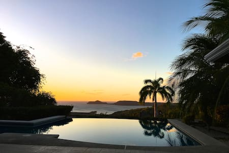 Amazing view, 2 rooms in a peaceful, safe home. - Playa Panamá - Willa