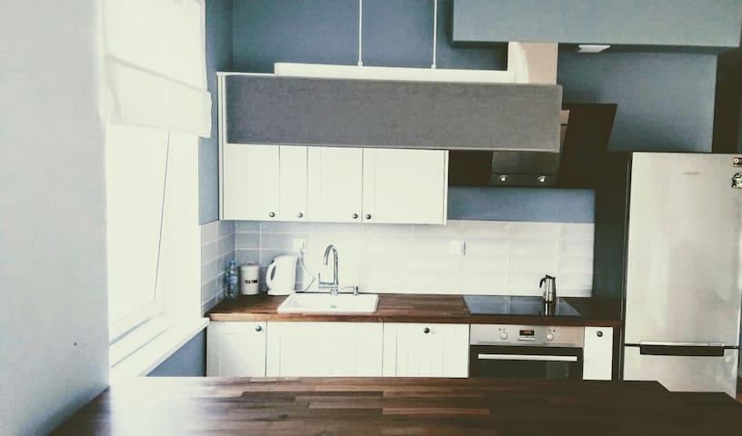 Przytulne nowe mieszkanie z ogrodem - Warszawa - Apartamento