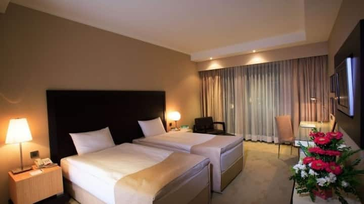 HOLIDAY INN ISTANBUL AIRPORT STANDART ROOM