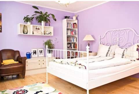 Lovely guest room in beautiful lake region