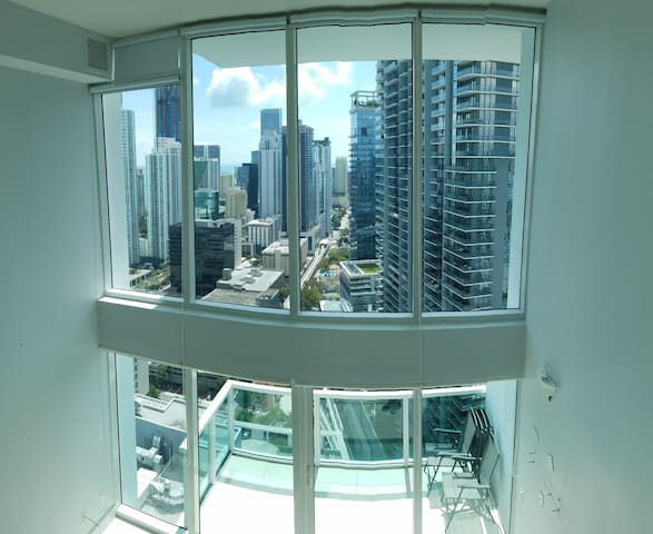 Gorgeous Miami/Brickell Loft city/ocean views:) ;)