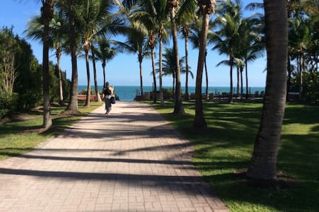 Beautiful Beach Town-Island Paradise - 比斯坎湾(Key Biscayne) - 公寓