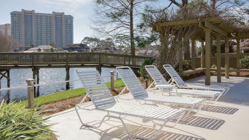 25% OFF for 2019! Charming & Spacious - Golf Cart Included