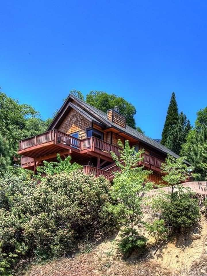 Modern Cabin , Lake Views