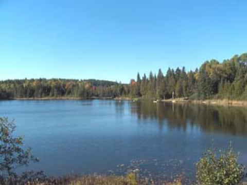 Kargus Lakes Rustic Cottages & 350 Acre Retreat!