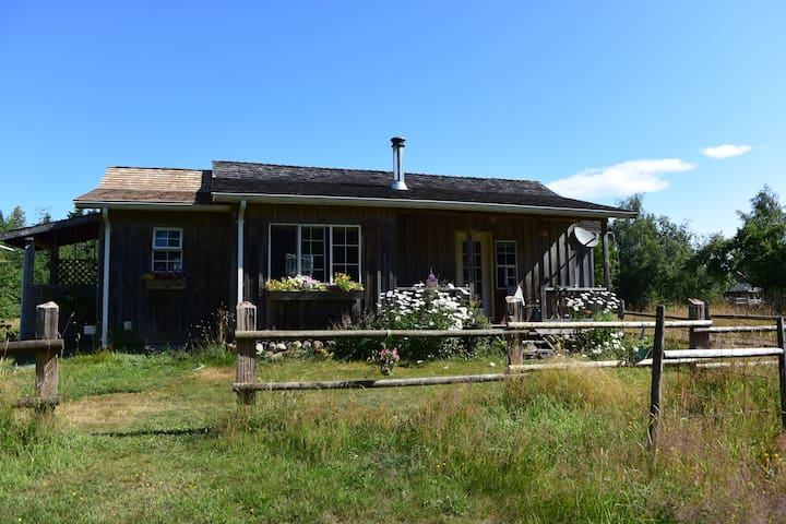 All Seasons Comox Valley Heritage Cabin