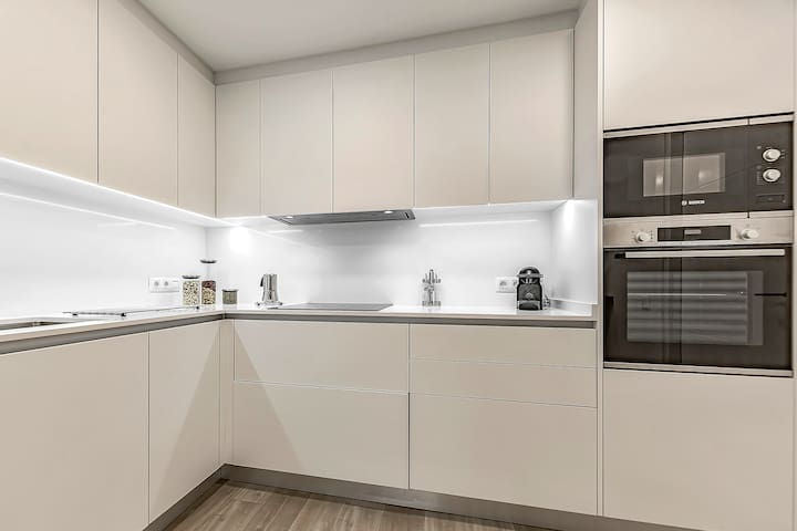 Downtown Apartment with AC & WiFi