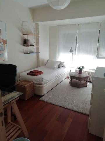 Zona Viso magnifica habitacion