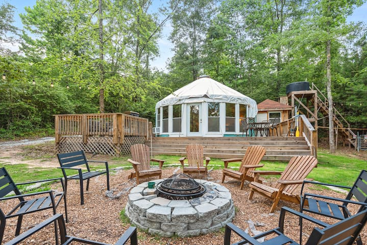 LUXURY GLAMPING,Secluded Yurt,Private Lake,Canoe