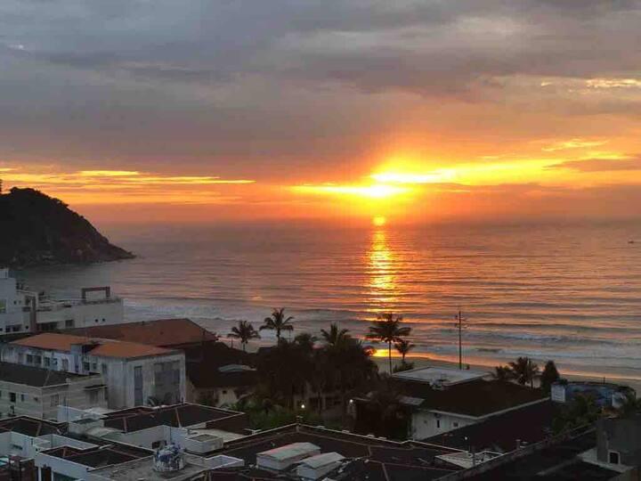 Praia do Tombo Guarujá com vista fantástica