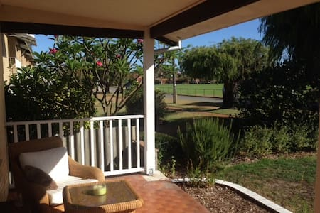 Cottage With Views Over The Park - Maylands