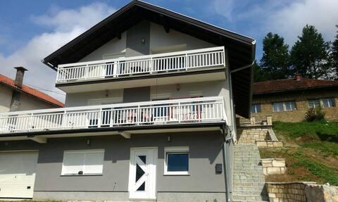 Haus am Pliva See