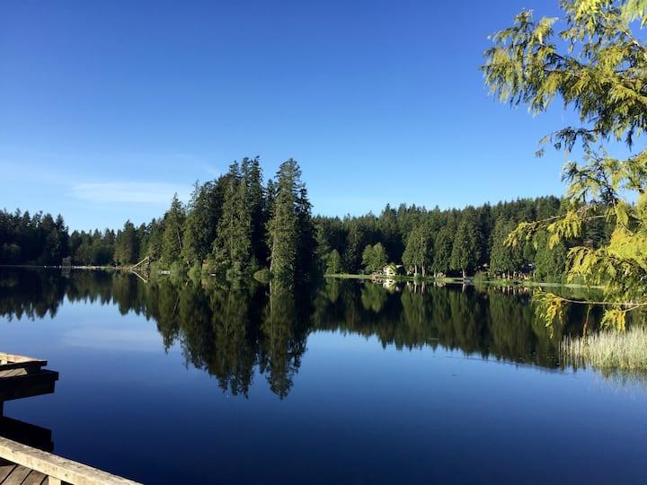 Beautiful Lakeside Loft