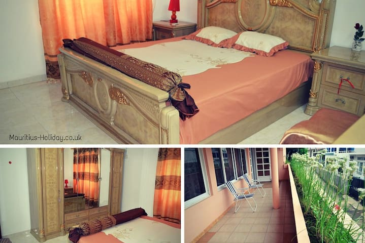 Luxury Double Bedroom: Guest House - Souillac - Apartment