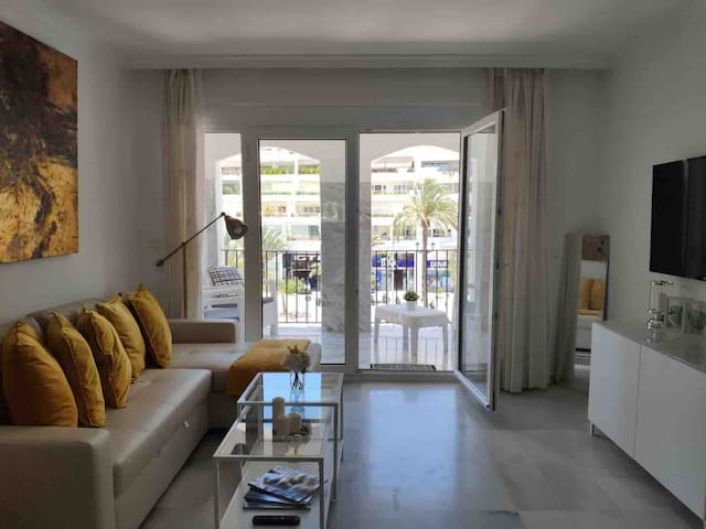 Cosy apartment in the down town of Puerto Banûs.