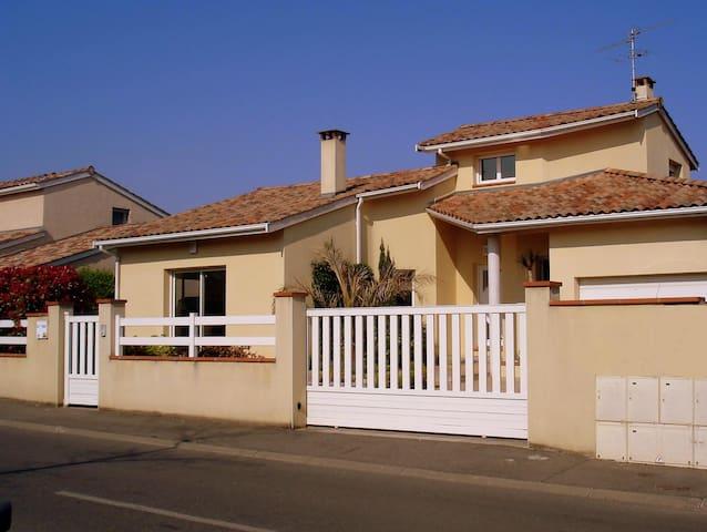 Maison d'Architecte avec Jardin proche Toulouse