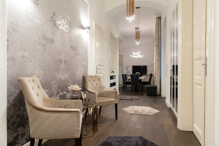 Luxury apartment at Heroes' Square