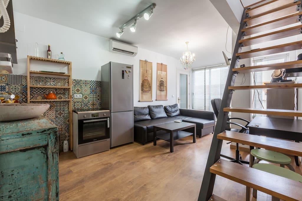 Apartamento duplex con terraza privada apartamentos en for Cerramiento terraza sin licencia