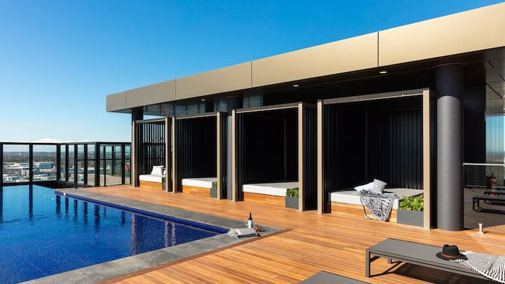 Sydney Olympic Park Entire Luxury Apartment + Pool