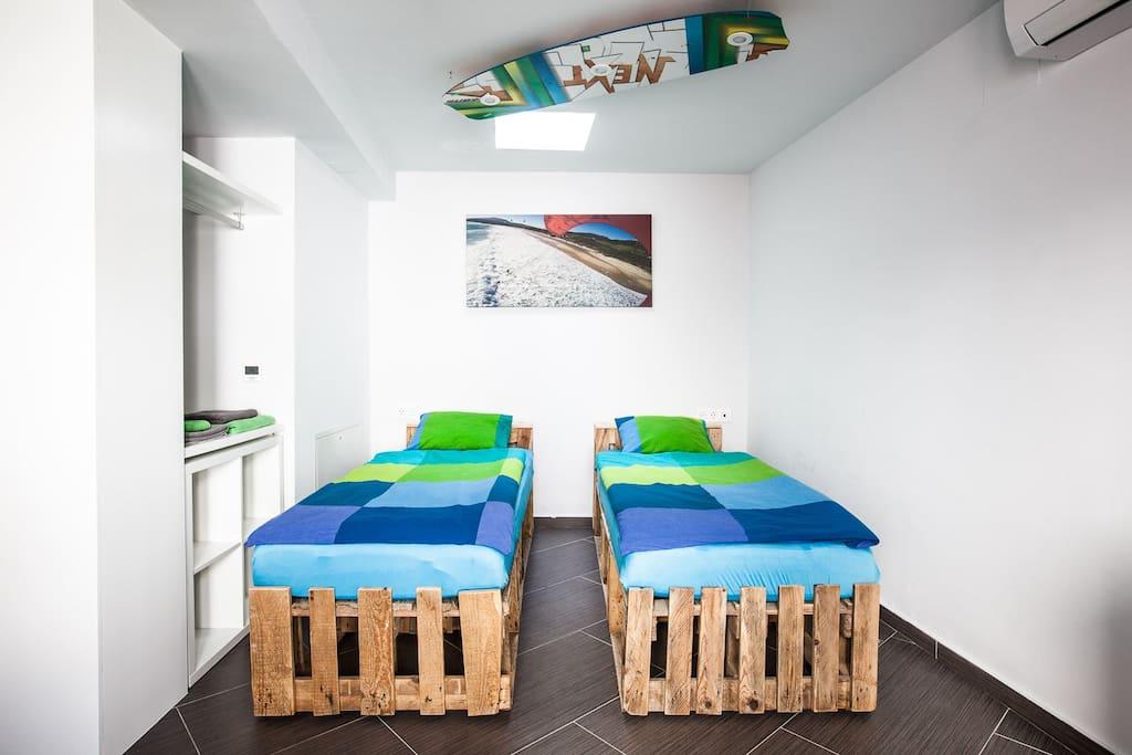 Valdevaqueros single bed option