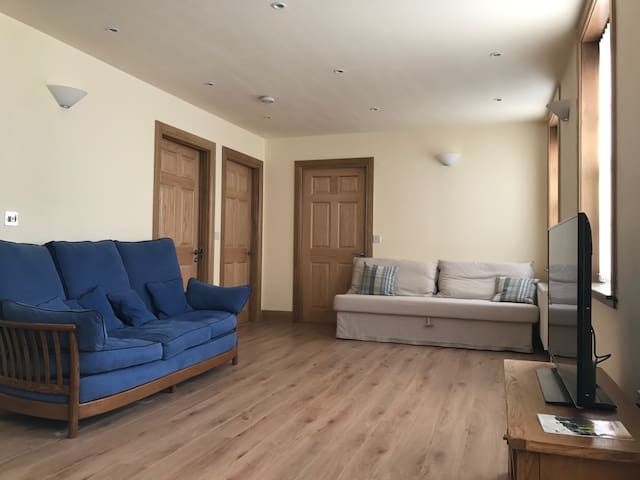 Sunny flat, 20 minutes by train from Edinburgh - Inverkeithing - Departamento