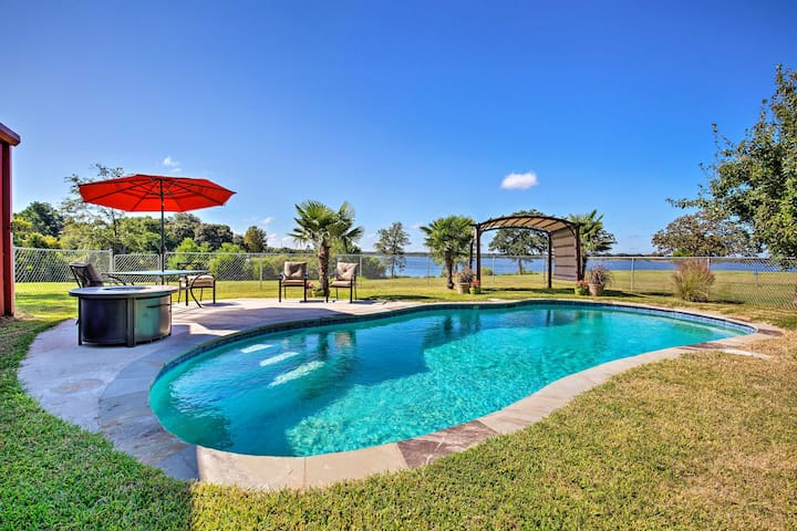 NEW! Waterfront Lake Fork House With Private Pool!