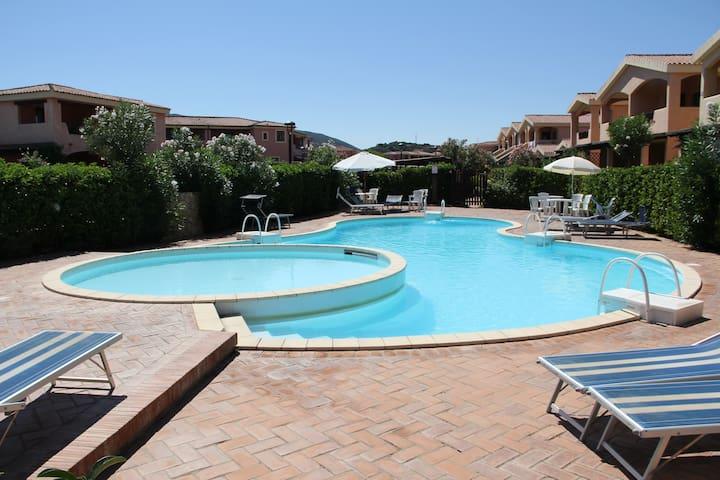Bilocale con piscina a Murta Maria, Olbia - Province of Olbia-Tempio - บ้าน