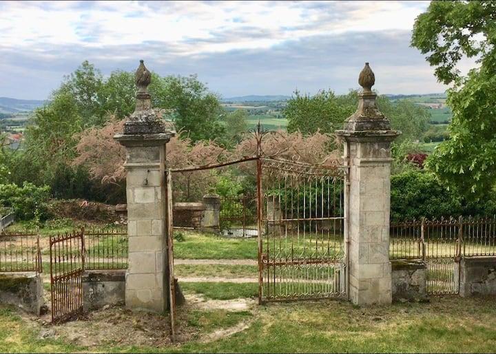 Gîte de la Fontaine - Château de la Ruats