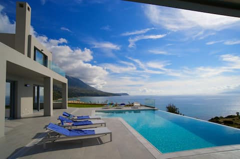 Trapezaki Bay View villa