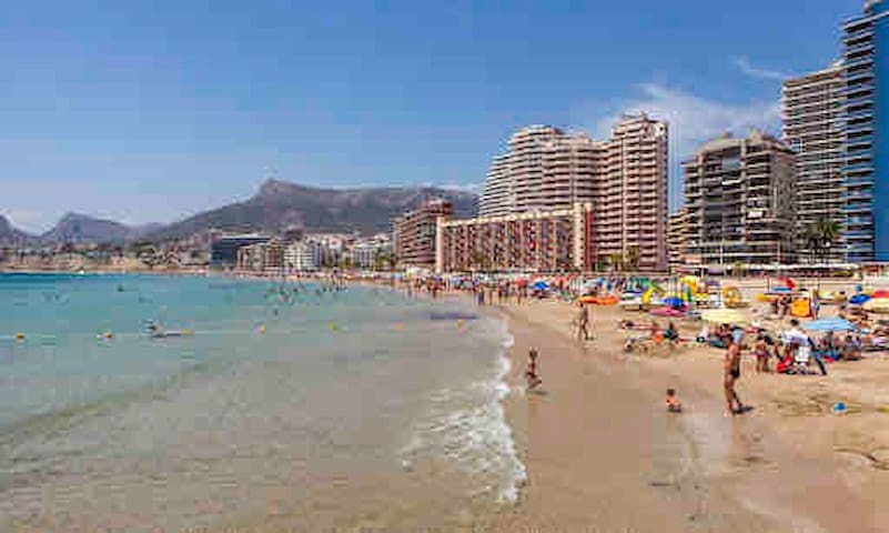 Calpe, arenal beach, touristic área, well located
