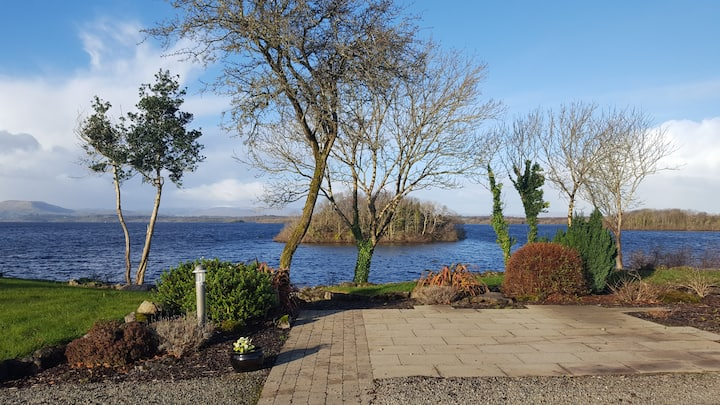 The Lake House, Castletown