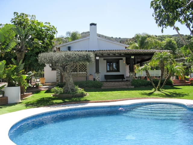 Stunning Villa Monteverde with pool and large garden